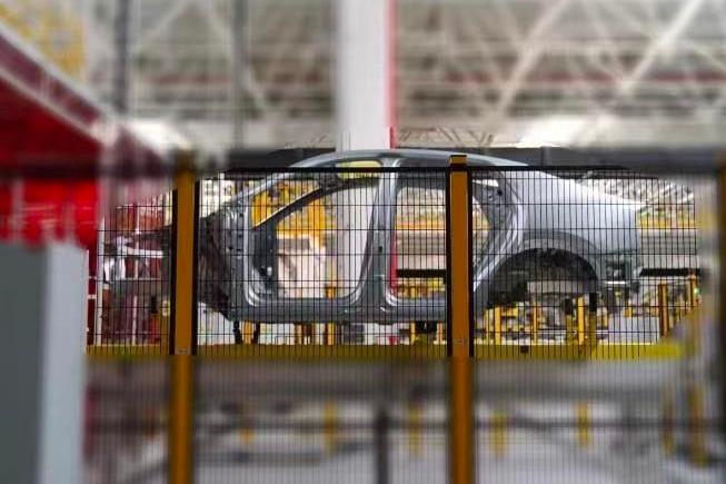 溜背式设计 爱驰跨界轿跑SUV将于4月29日发布