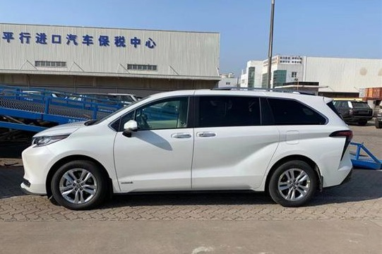 曝国产全新丰田Sienna白车身 明年上市