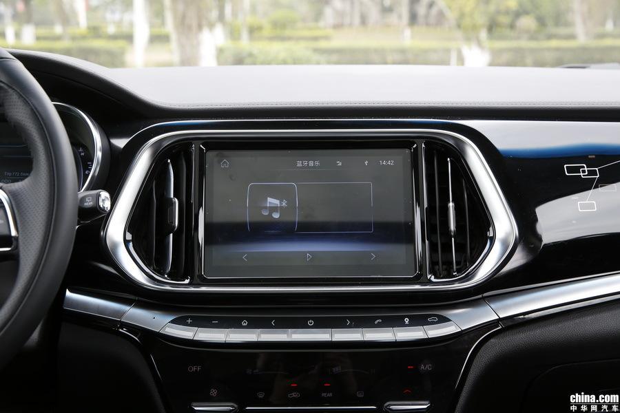 捷途X90 2019款 1.5T 自动尊享型 6座 内饰