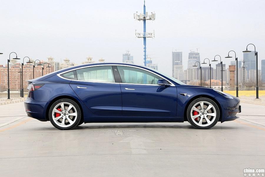 Model 3 2019款 Performance高性能全轮驱动版 外观