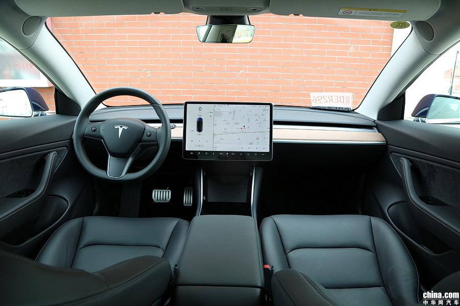 Model 3 2019款 Performance高性能全轮驱动版 内饰