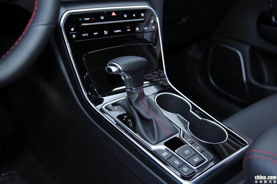起亚KX5 2019款 1.6T 自动两驱豪华 内饰