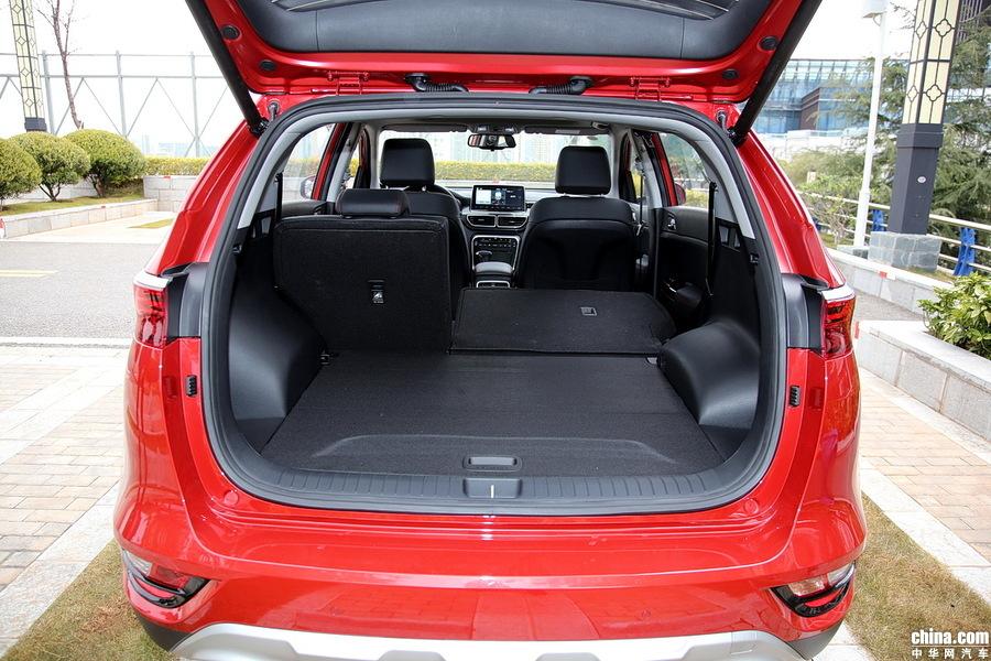 起亚KX5 2019款 1.6T 自动两驱豪华 空间