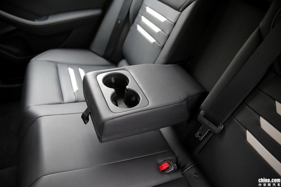 秦Pro新能源 2018款 EV500 智联领耀型 空间