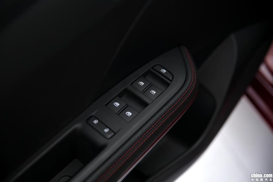 科鲁泽 2019款 RS 330T 自动痛快版 内饰