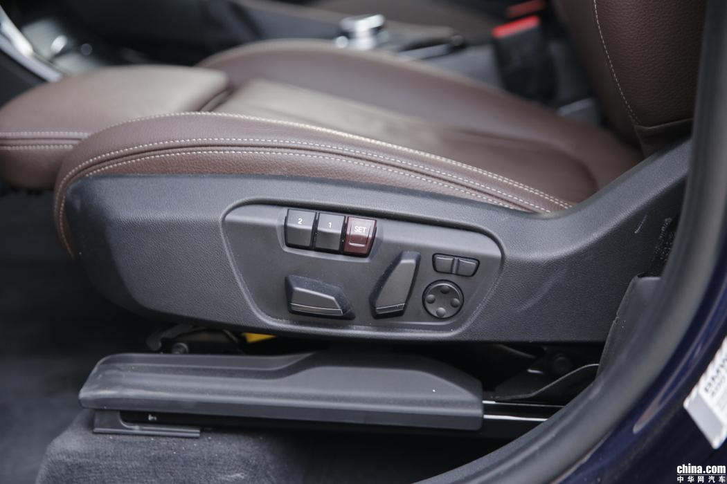 宝马X1 2019款 xDrive20Li 尊享型 空间