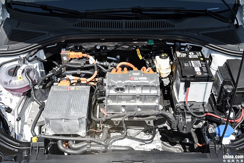 抢夺新能源市场 上汽大众朗逸纯电动版正式亮相