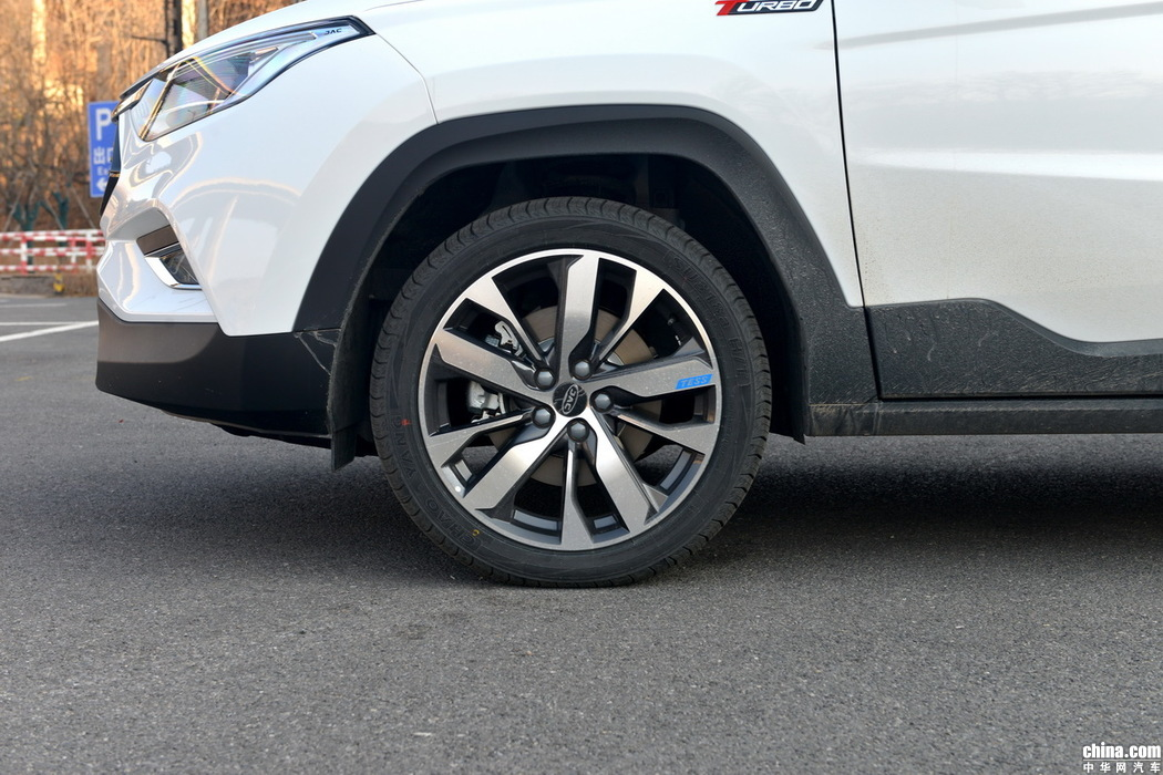 S4 2019款 1.5T CVT探索型 外观