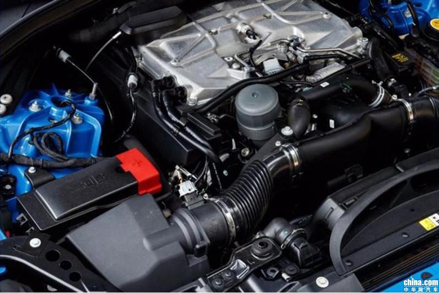 百公里加速突破4.1秒 捷豹F-Pace推高性能版车型