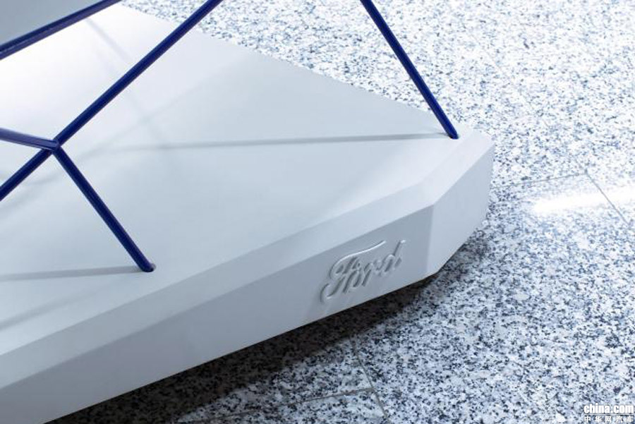 福特超实用新科技 搭配AEB主动刹车的超市购物车