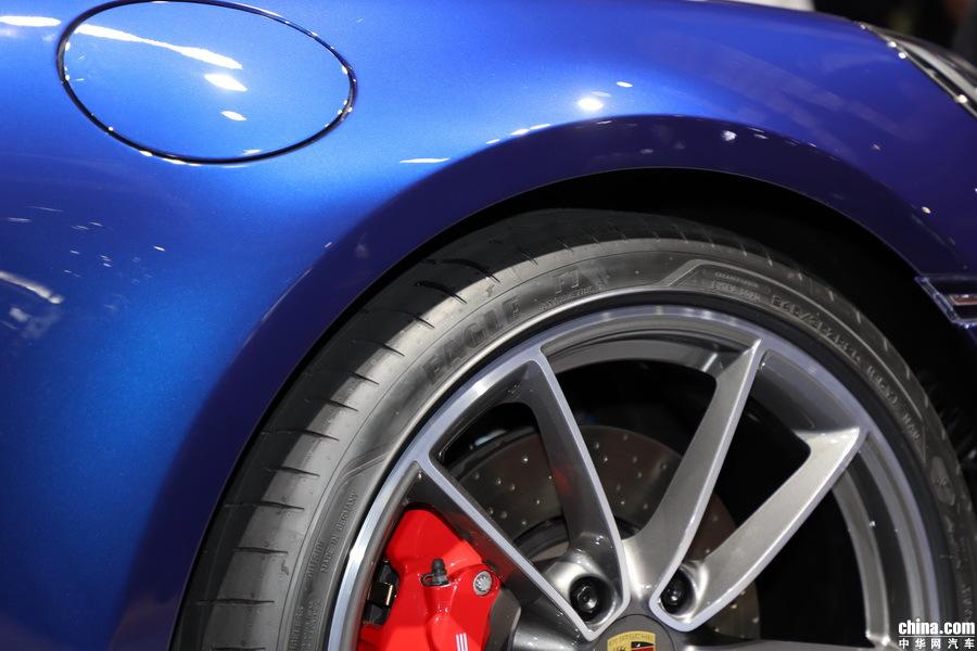 保时捷911 2019款 Carrera 4S Cabriolet 3.0T 外观