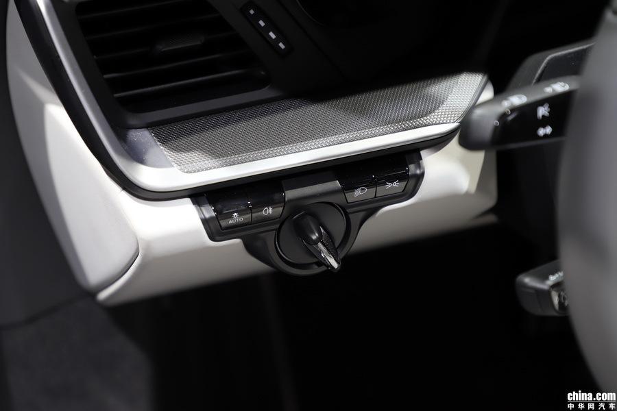 保时捷911 2019款 Carrera 4S Cabriolet 3.0T 内饰