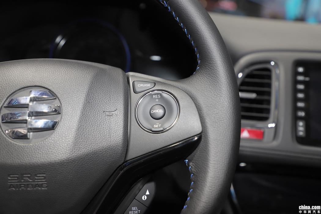 右侧方向盘功能按键