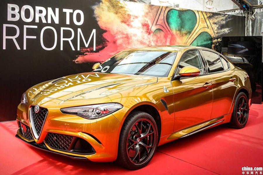 少见的复古色系 阿尔法罗密欧Giulia推赭色车漆