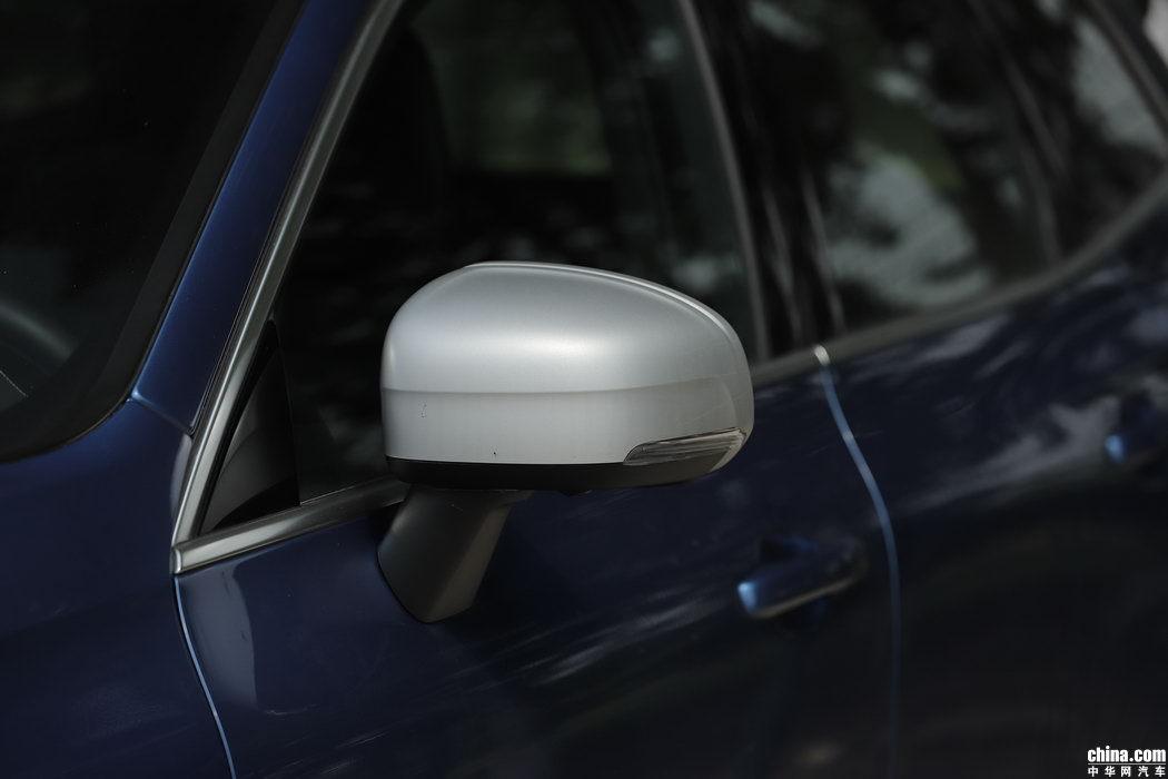 沃尔沃XC60 2019款 T5 四驱智雅运动 外观