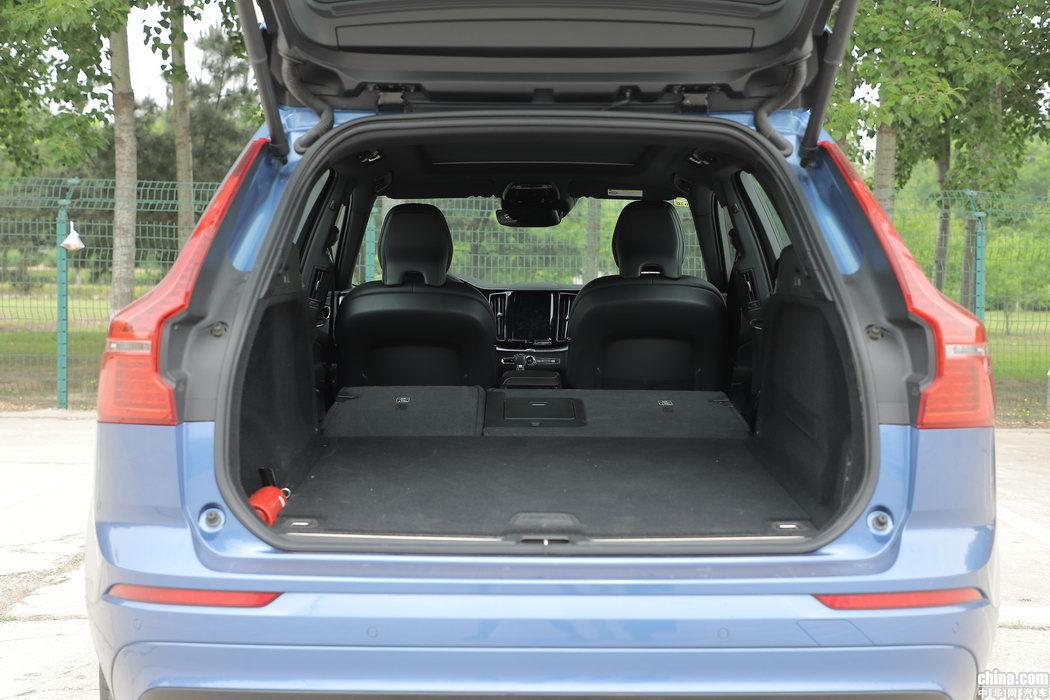 沃尔沃XC60 2019款 T5 四驱智雅运动 空间