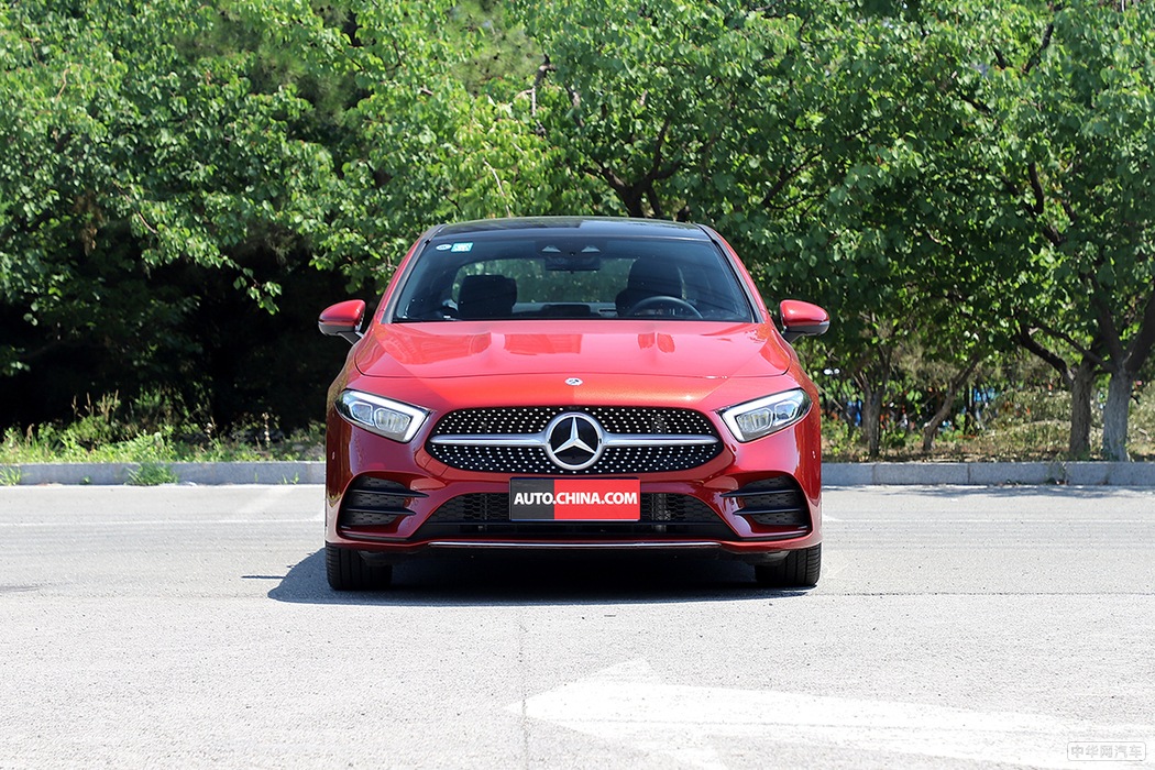 奔驰A级 2019款 A 200 L 运动轿车 外观