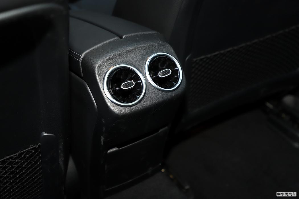 奔驰A级 2019款 A 200 L 运动轿车 空间