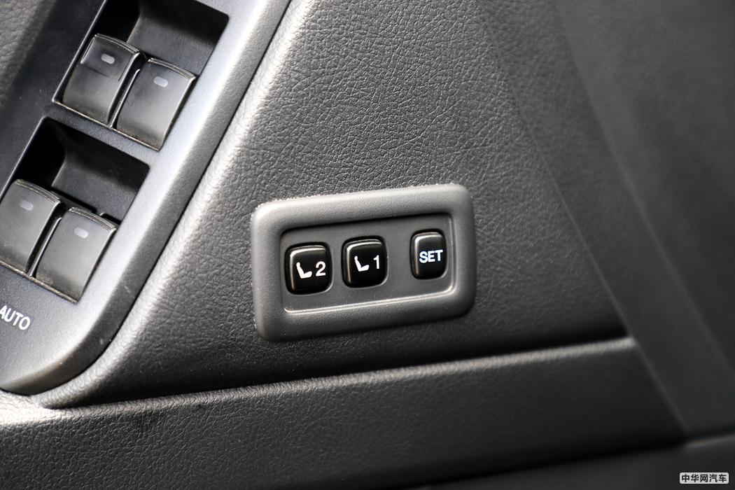 普拉多  2018款 3.5L 自动VX NAVI后挂 其他