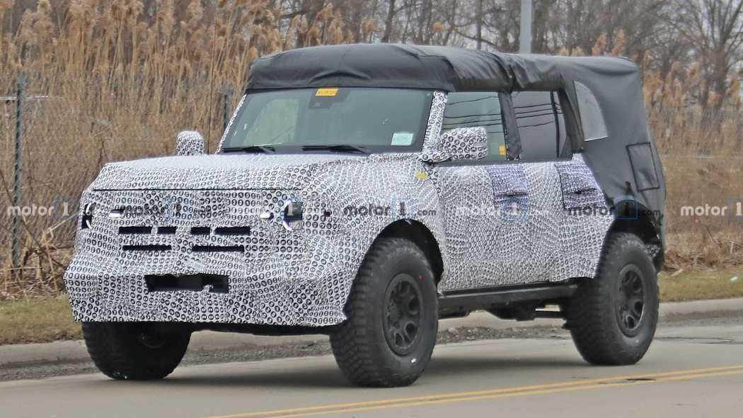 抢占Jeep牧马人市场 福特Bronco硬派越野车曝光