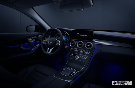 8款车型售价30.78万元起 2020改款奔驰C级上市