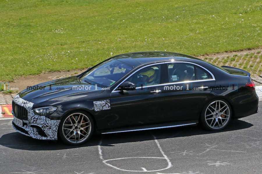 E级别最强代表 2021款奔驰AMG E63于明日亮相