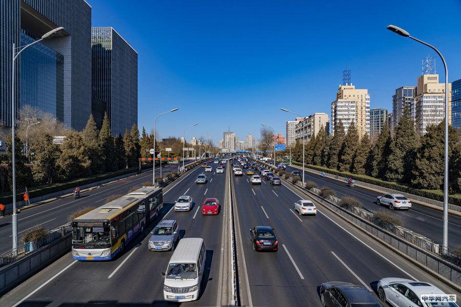 """""""中签""""难度增加 北京新能源车指标申请人超45万"""