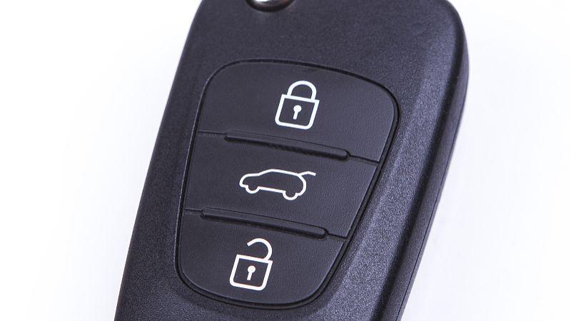面包车钥匙被锁车里了该怎么办