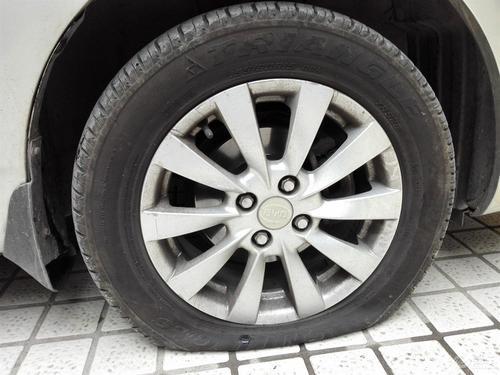 轮胎没气了还能开多远