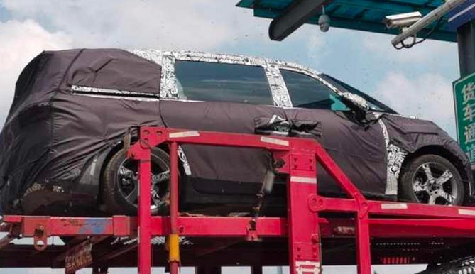 极氪第二款车型谍照曝光:明年推出纯电MPV?