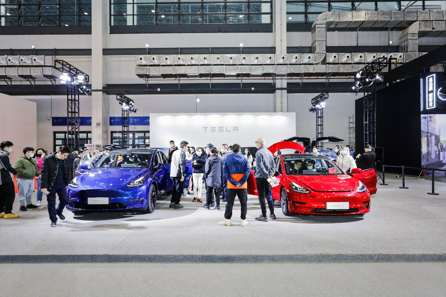 国产特斯拉Model Y、Model 3 亮相海口新能源车展