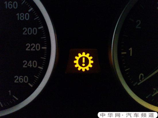 丰田凯美瑞叹号故障灯,丰田凯美瑞发动机故障灯