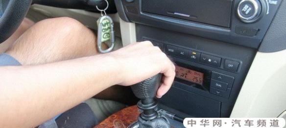 手动挡车要比自动挡安全很多,那自动挡有什么优点?
