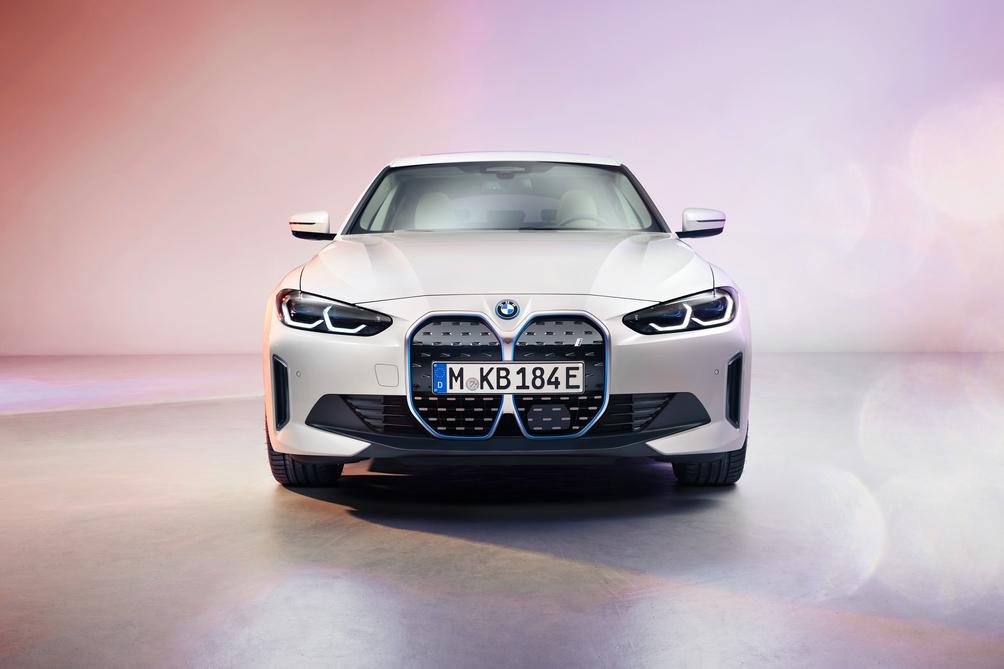 宝马i4纯电动首次亮相 今年内推向市场