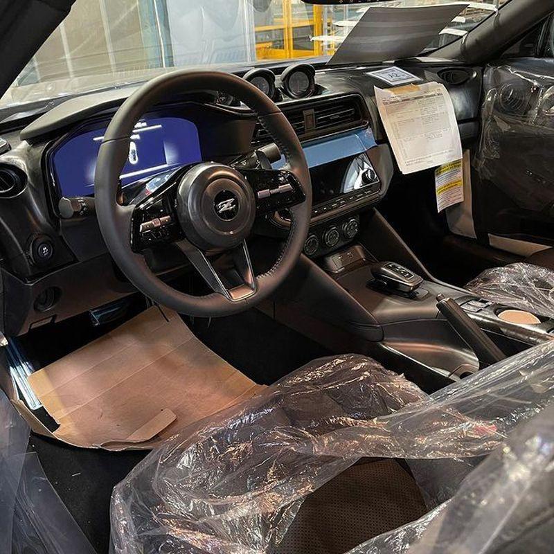 经典/概念车结合 日产400Z量产版实车曝光